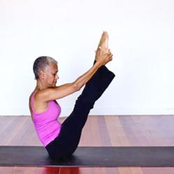 Janice-Lennard-Yoga-Inspiration-72-Year-Old-Yoga-Master-Talks-Aging-Gracefully-5