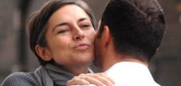 air-kiss-greeting